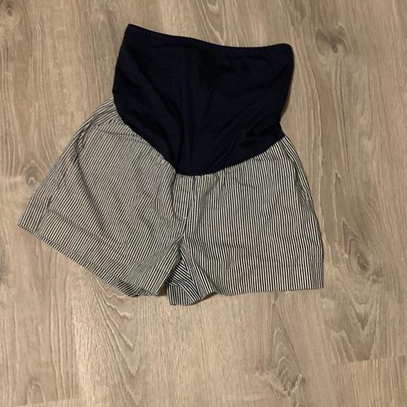 GAP Pants - Striped full panel maternity shorts